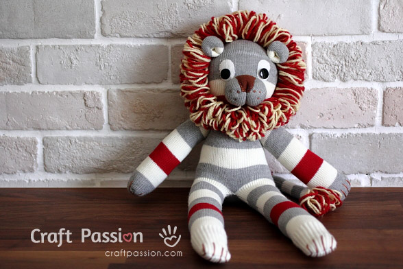 Sock Lion DIY